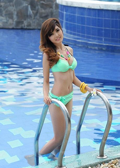 Lilly Luta trong bộ ảnh dự thi Miss Ngôi sao năm 2012