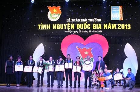Trao Giải thưởng Tình nguyện quốc gia năm 2013