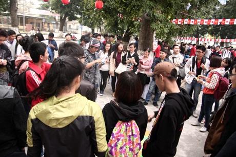 Lễ hội thu hút đông đảo các bạn học sinh, sinh viên tại Hà Nội tham gia