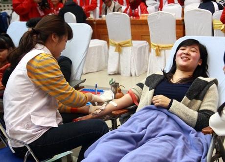 Nụ cười của những người hiến máu tình nguyện