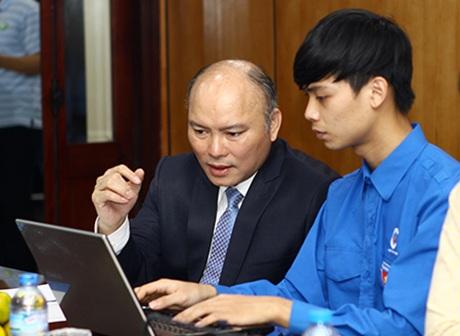 Ông Vũ Đăng Minh - Vụ Trưởng Vụ Công tác Thanh niên, Bộ Nội vụ trả lời câu hỏi