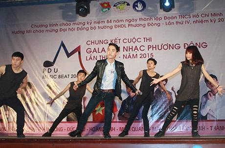 Những cô nàng ham vật chất của Nguyễn Minh Quang