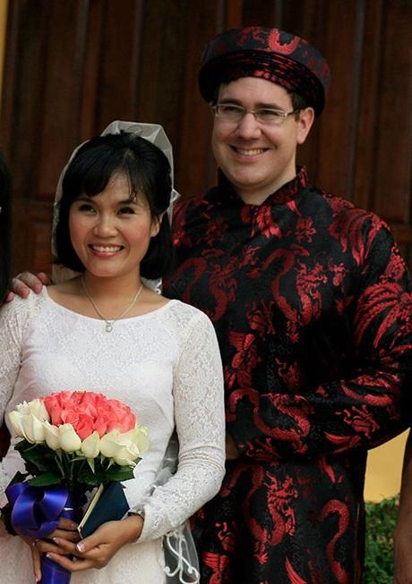 Ảnh cưới của chị Thương Sobey và chồng