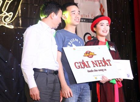 """Giải nhất song ca đã thuộc về """"cặp đôi quan họ"""" Nguyễn Ngọc Ngà và Bùi Chính Tâm"""