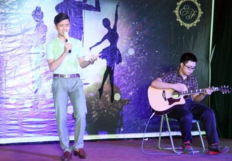 Cựu thí sinh The Voice kid Nguyễn Tuấn Dũng phiêu với bài hát
