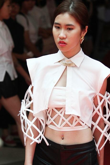 Thiết kế ấn tượng, đậm cá tính của sinh viên năm nhất trường Học viện thời trang London