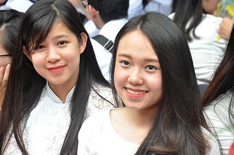 Nữ sinh Trần Phú ngày bế giảng năm học