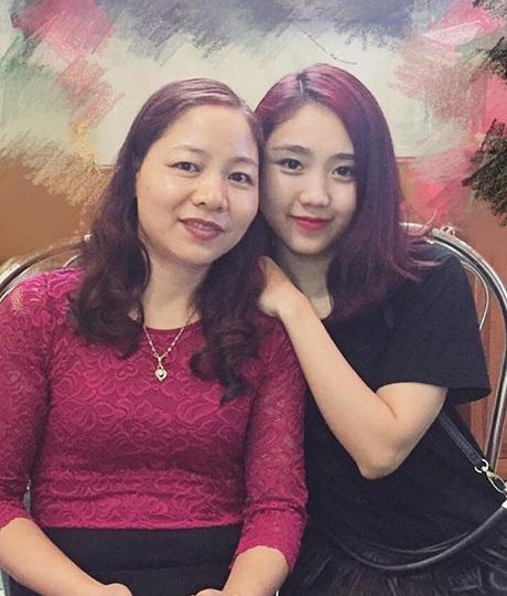 Hai mẹ con Miss Teen 2012 Trang Thiên