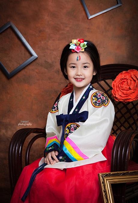Bé Bảo Thy, 7 tuổi trong tạo hình nàng Đê Chang Kưm