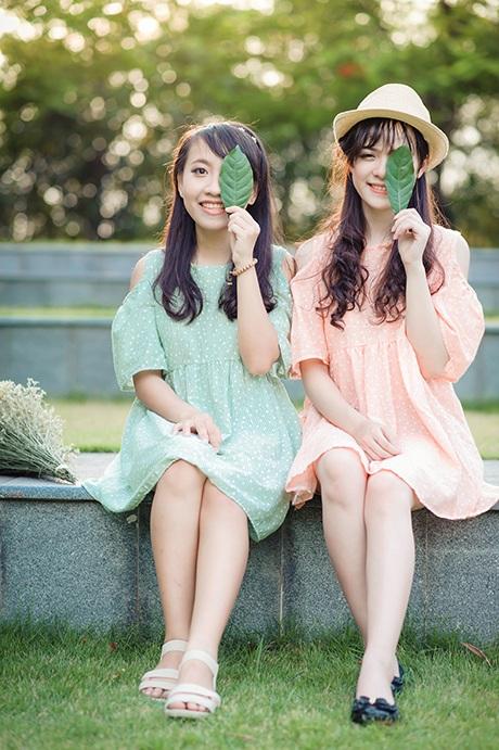 Trang và Vân Anh đều có chung sở thích chụp ảnh