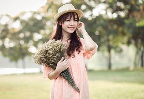 Cô bạn Trang điệu đà