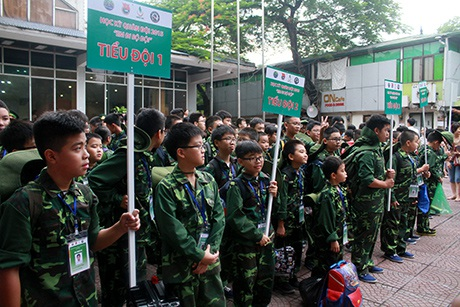 Học sinh Hà Nội tập làm chiến sỹ