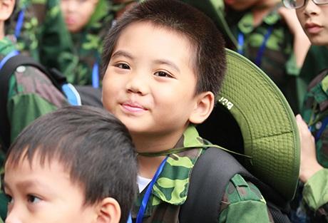Các em học sinh Hà Nội có cơ hội học hỏi, làm quen với môi trường quân đội