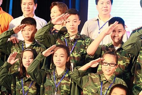 Phong cách quân đội được quán triệt ngay từ ngày đầu các em tập trung