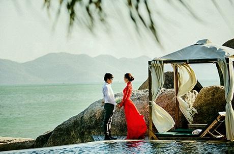 Cả hai đã chọn Nha Trang là nơi ghi lại những khoảnh khắc ngọt ngào hạnh phúc trước khi cưới.