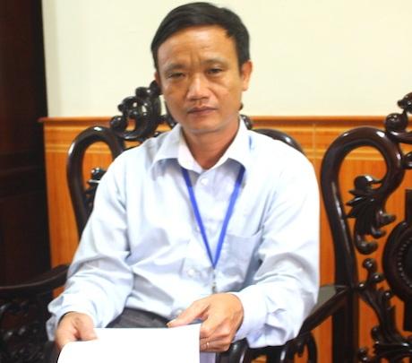 Ông Lê Mạnh Hùng, chuyên viên phòng y tế huyện Nam Đàn.