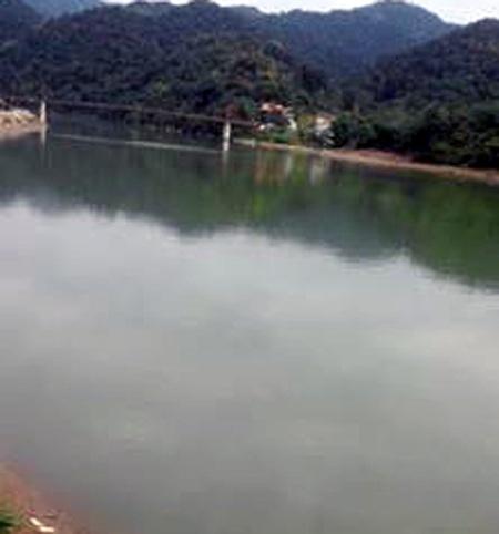 Khúc sông Lam nơi xảy ra vụ việc.