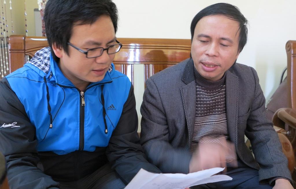 PV Dân trí làm việc với ông Phạm Văn Hóa - Chủ tịch UBND huyện Tân Kỳ.