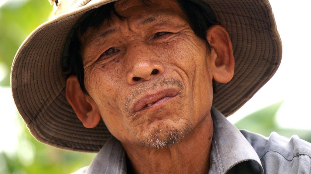 Theo gia đình anh em, thì từ ngày trở về ông đang cố nhớ những tháng ngày ăn rừng ngủ rú.