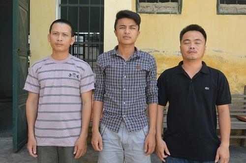 3 trong số 20 đối tượng được đưa về CA huyện Quỳnh Lưu.