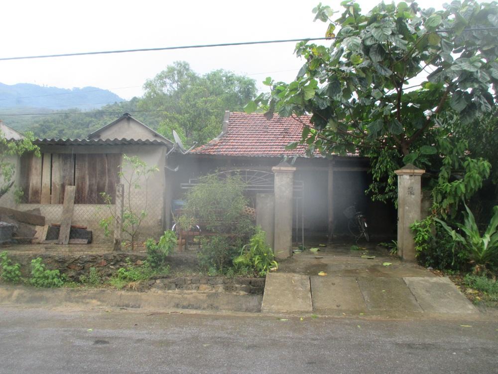Ngôi nhà anh Vên - nơi xảy ra vụ nổ thuốc súng (Ảnh: H.V).
