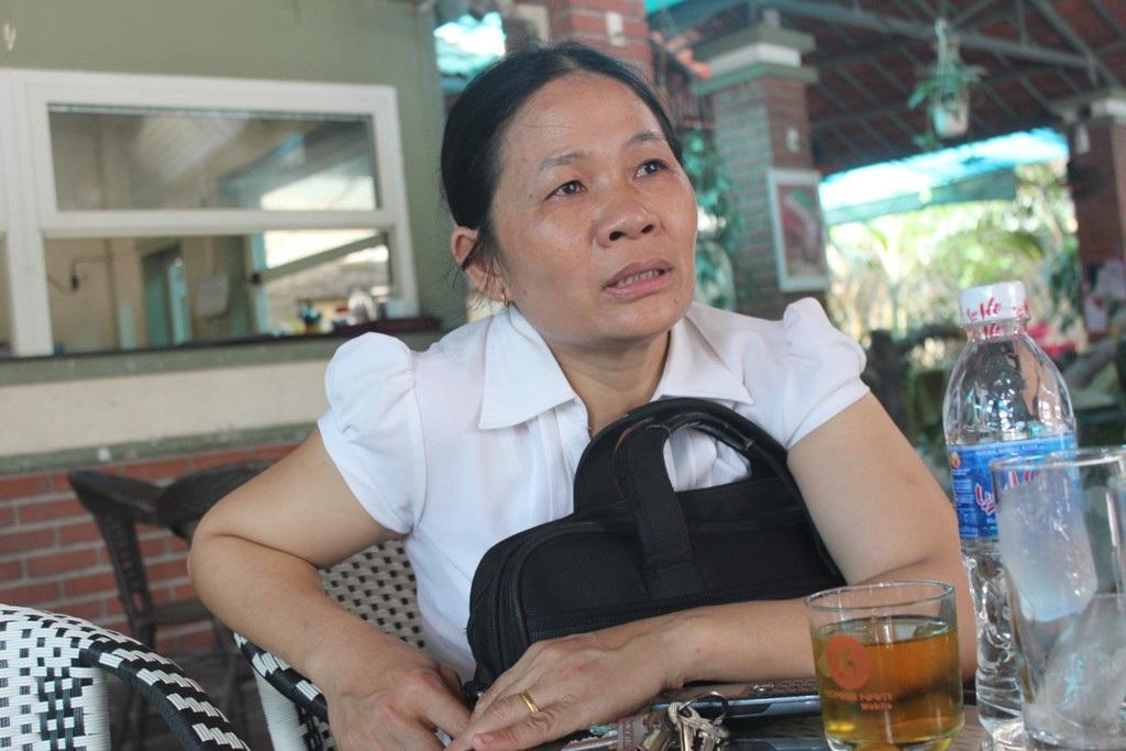 """Bà Nguyễn Thị Vân bức xúc: """"Tôi khẳng định mình không đánh rơi tiền để ai đó nhặt được""""."""
