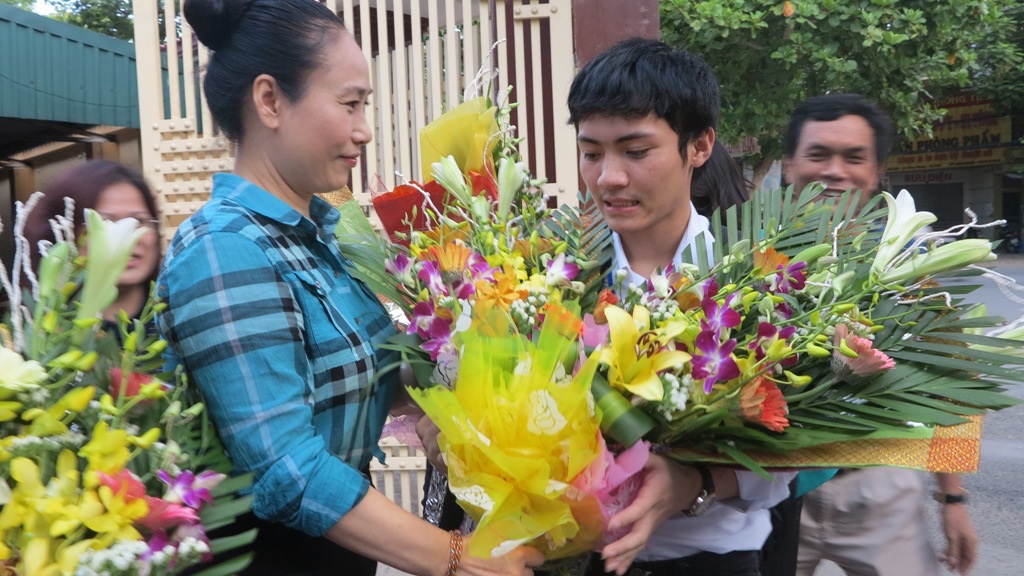 Em Nguyễn Ngọc Khánh chia sẻ tại buổi đón tiếp.
