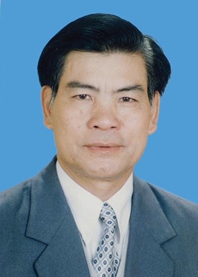 GS.TS Trần Tân Tiến - người được mệnh danh bắt mạch ông trời
