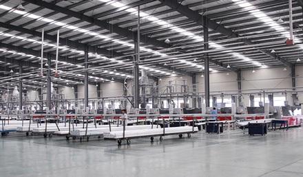 Dây truyền sản xuất thanh nhựa UPVC mang nhãn hiệu Sparlee profile.