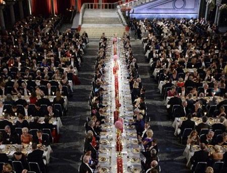 Bàn danh dự của yến tiệc Nobel
