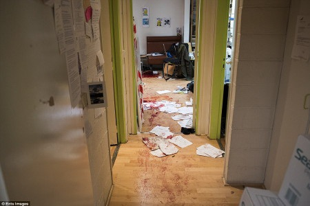 Hiện trường bên trong trụ sở tạp chí Charlie Hebdo sau vụ khủng bố
