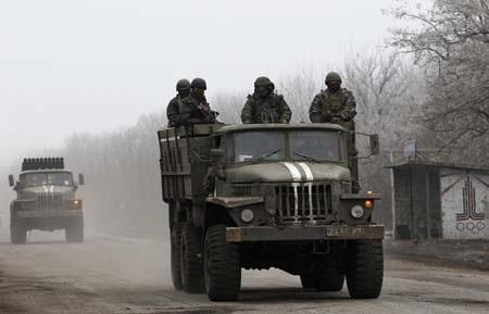Giao tranh tại Debaltseve vẫn tiếp diễn và không bên nào chịu rút vũ khí (Ảnh:
