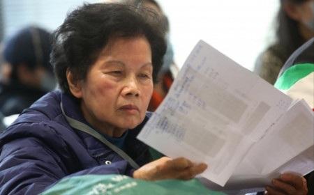 Bà Cha, một trong 30 nạn nhân cho biết sẽ trình báo vụ lừa đảo của Mycoin với cảnh sát (Ảnh: