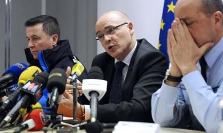 Công tố viên Brice Robin (giữa) khẳng định cơ phó cố tình gây tai nạn (Ảnh: AFP)