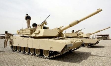 Nhiều xe tăng Mỹ đang hiện diện tại Latvia (Ảnh: