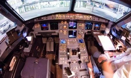 Buồng lái chiếc A320 của Germanwings được chụp một vài ngày trước vụ tai nạn (Ảnh: EPA)