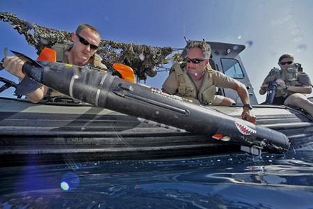 Hải quân Mỹ đang tích cực thử nghiệm các UUV mới (Ảnh: Navy)