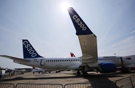 Bombardier CS300 đến từ Canada. (Ảnh: