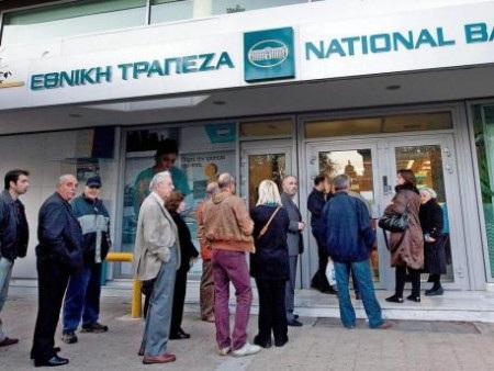 Người Hy Lạp sẽ tiếp tục phải chờ ngân hàng mở cửa (Ảnh: Getty)
