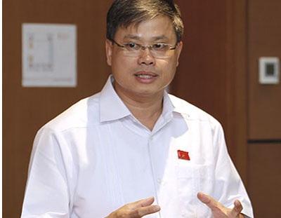 Đại biểu Nguyễn Sỹ Cương cho rằng việc bổ nhiệm cấp hàm chỉ để hưởng phụ cấp, hưởng chế độ