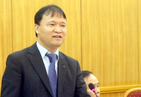 """""""Xăng dầu giảm giá mang lại lợi ích nhiều hơn cho nền kinh tế Việt Nam"""""""