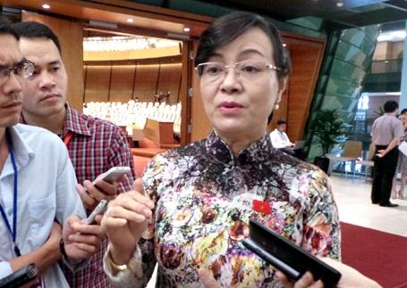 Chủ tịch HĐND TPHCM Nguyễn Thị Quyết Tâm đề nghị bỏ thu phí sử dụng đường bộ đối với xe máy