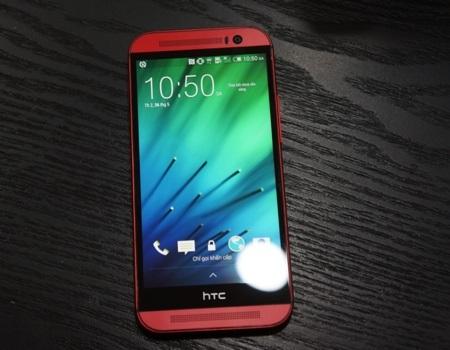HTC One M8 màu đỏ tại Việt Nam.