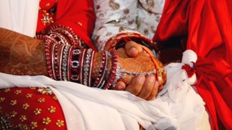 Chú rể bị bỏ ngay trong ngày cưới vì không biết làm tính cộng