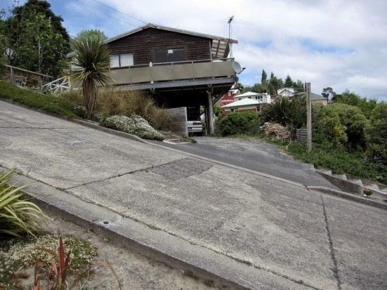 Ghé thăm con phố dốc nhất thế giới ở New Zealand