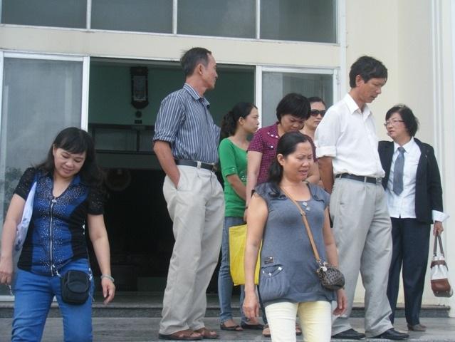 Bị cáo Trần Tín Kiệt 3 lần vắng mặt nên tòa không thể xử làm nhiều người bức xúc.