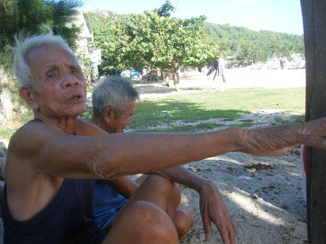 Cụ Lê Văn Tòng gắn bó với đảo cả đời với đảo