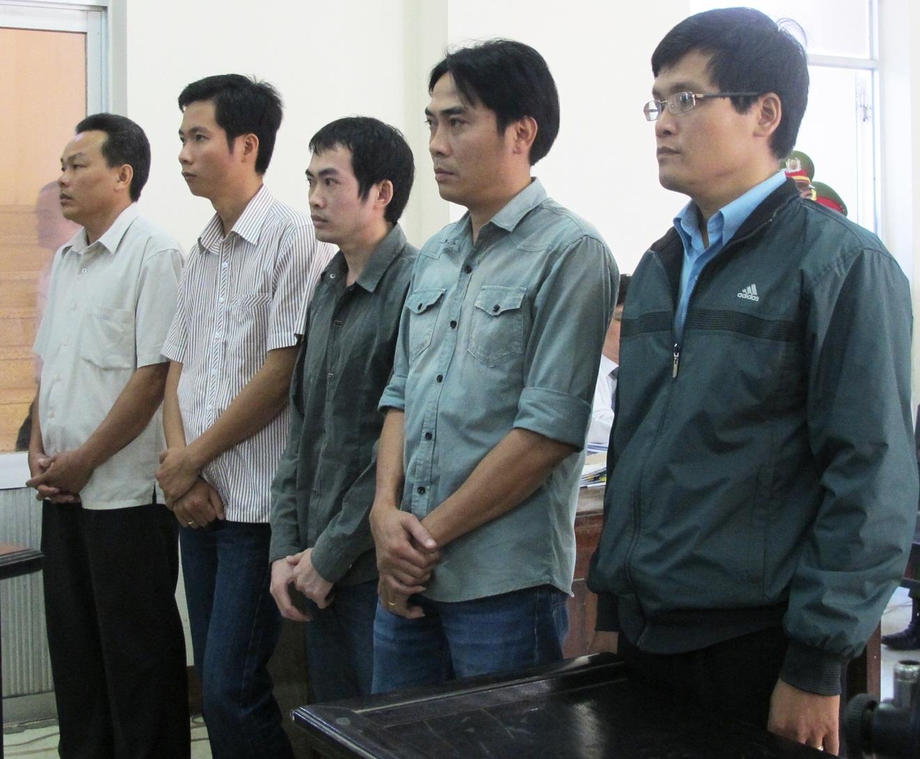 Các bị cáo tại tòa sơ thẩm ngày 26/3, vừa qua