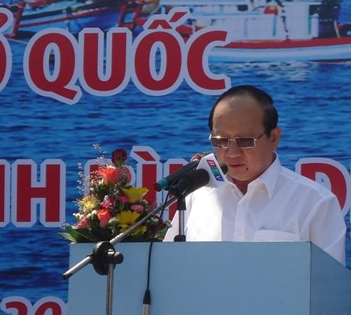 Hơn 3 tỷ đồng giúp ngư dân vươn khơi bám biển