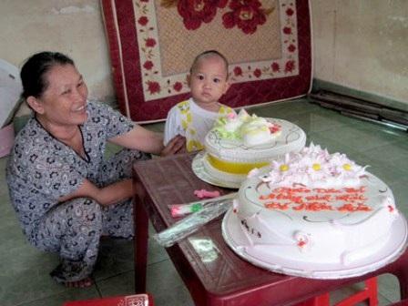 Mừng sinh nhật đầu tiên và cuộc sống mới của bé Nhân Hòa